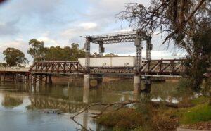 Swan Hill lift bridge