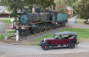 Swan Hill D3 locomotive and 1924 Dodge Tourer